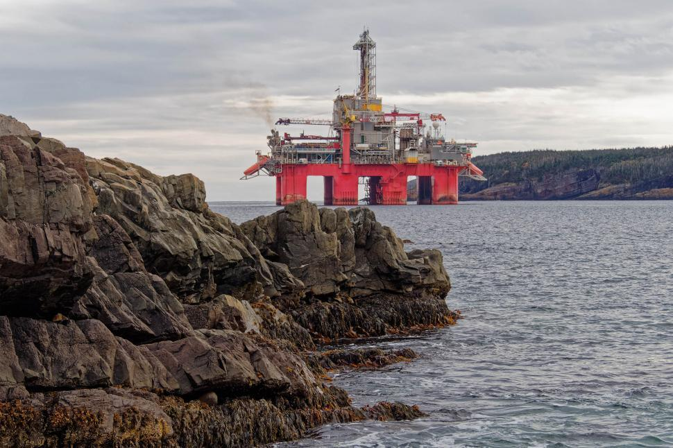 Download Free Stock Photo of Drill rig near shore
