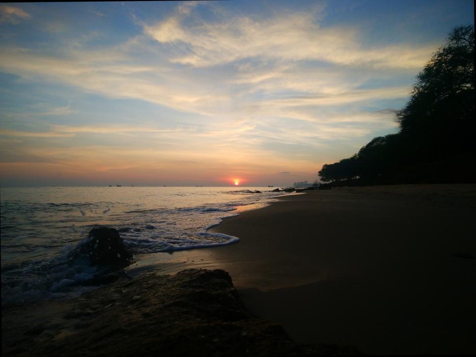 Download Free Stock Photo of Beautiful sunrise above the sea