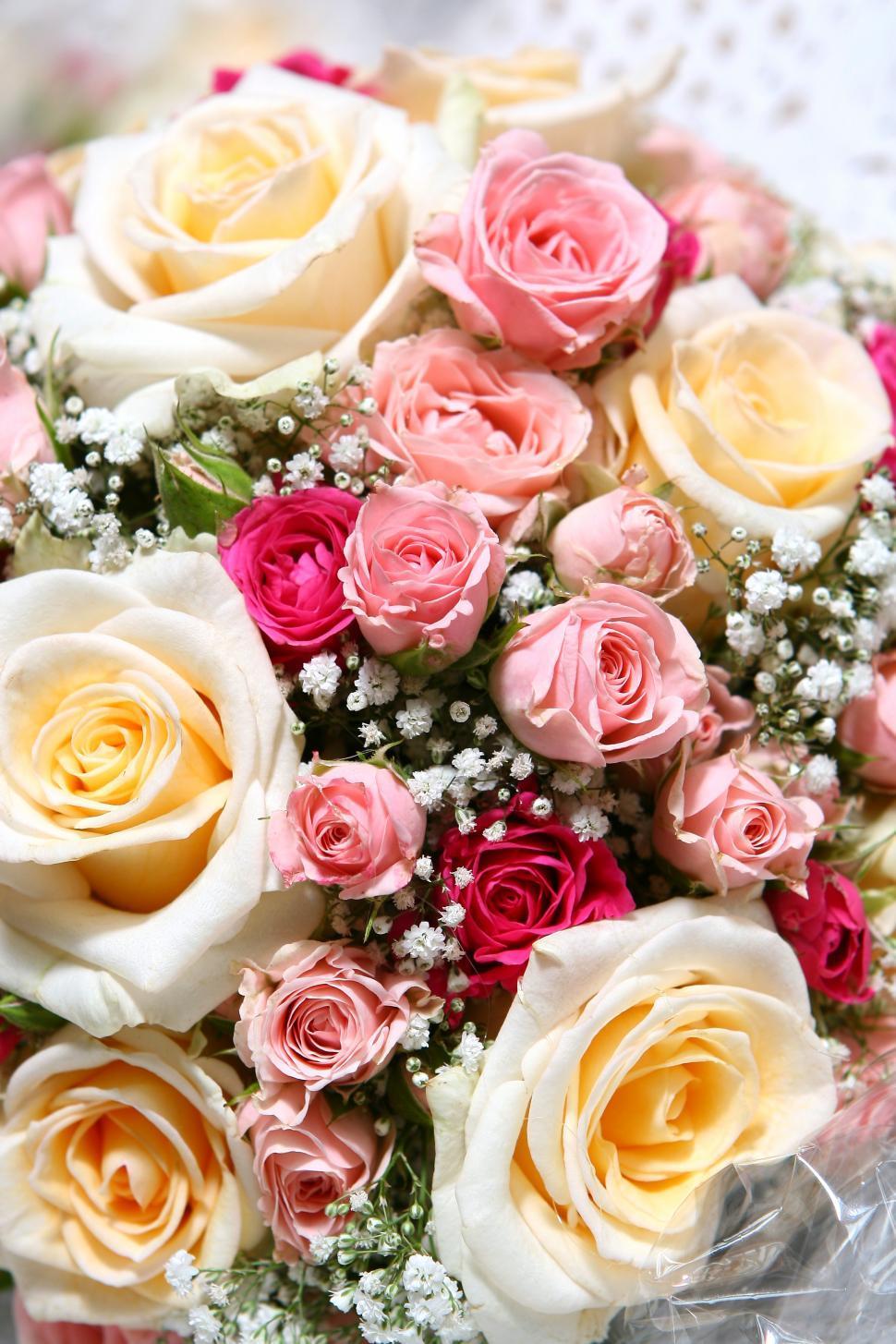 Download Free Stock Photo of Beautiful fresh wedding flowers arranged
