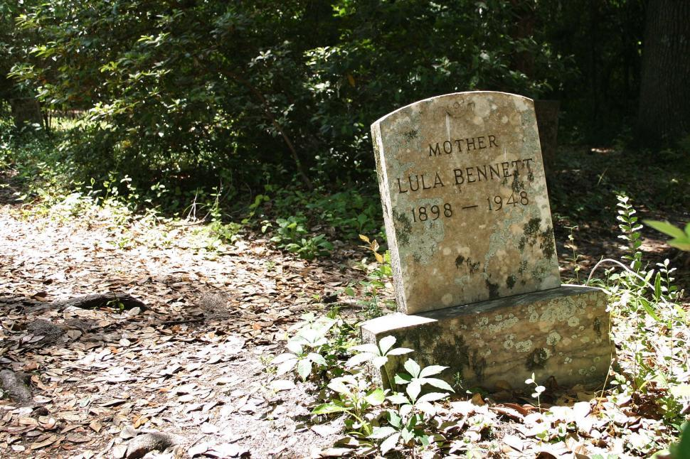 Download Free Stock HD Photo of Weathered tombstone Online