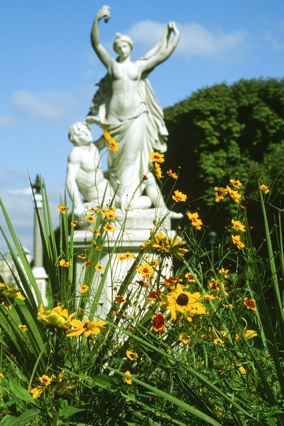 Download Free Stock HD Photo of Flowers and Garden statues Online