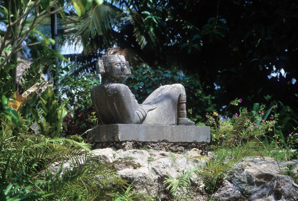 Download Free Stock Photo of Mayan statue