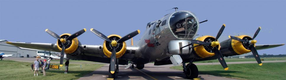 Download Free Stock HD Photo of B-17 bomber Online