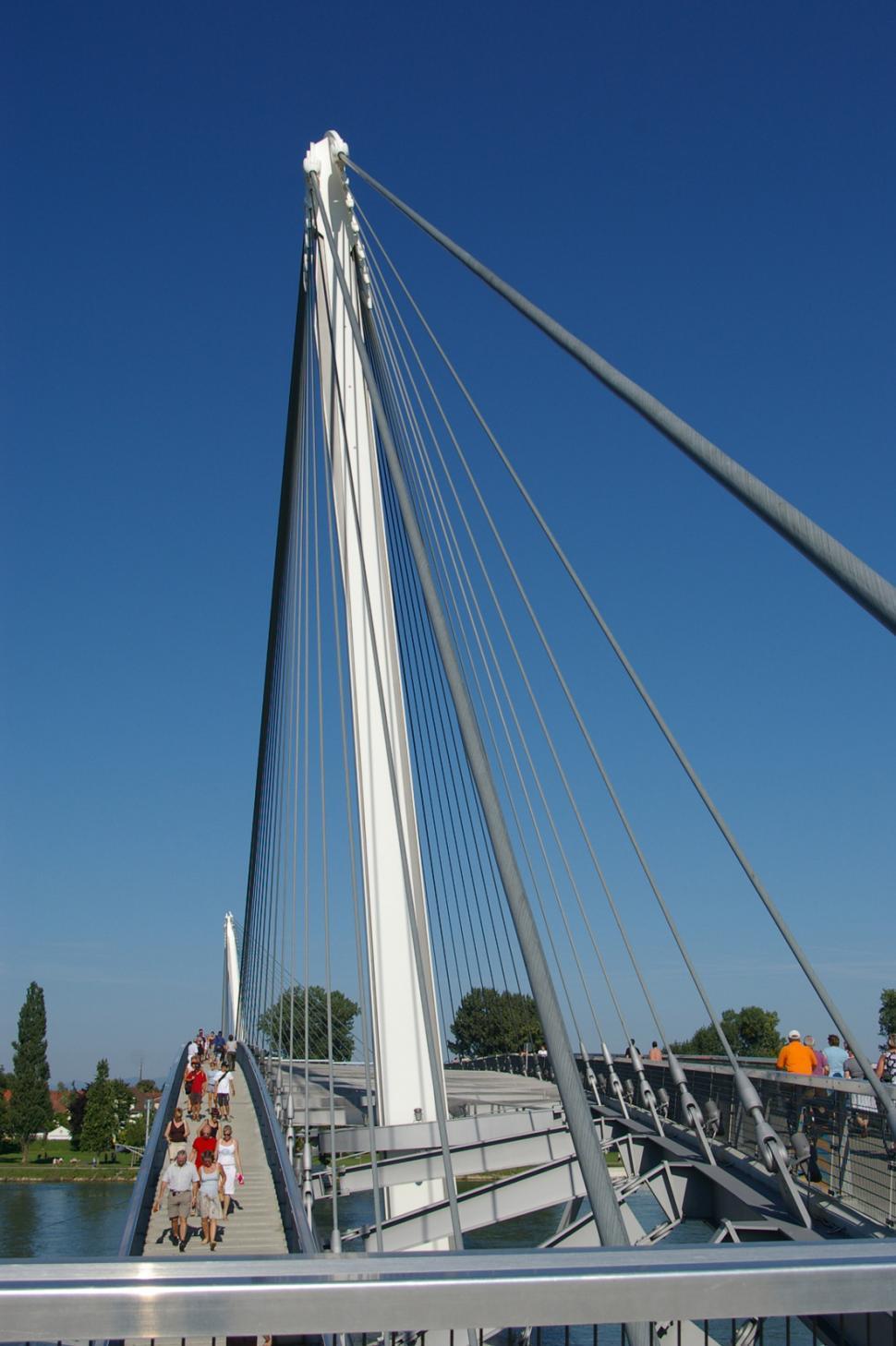 Download Free Stock Photo of Mimram bridge