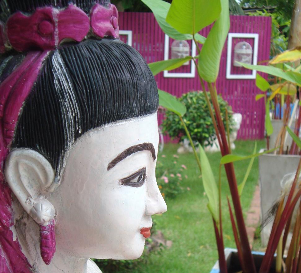 Download Free Stock HD Photo of Oriental Woman Garden Statue Online