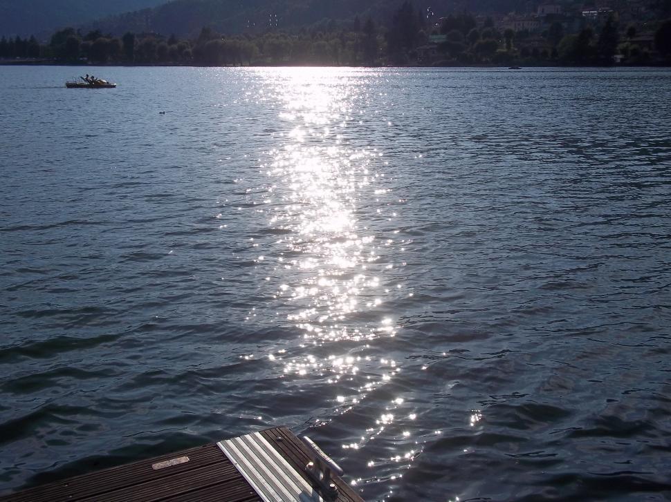 Download Free Stock Photo of Tramonto del sole sul lago di Endine