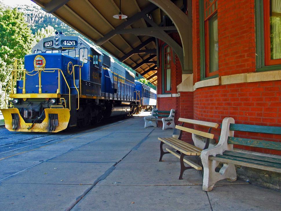 Download Free Stock Photo of Diesel locomotive