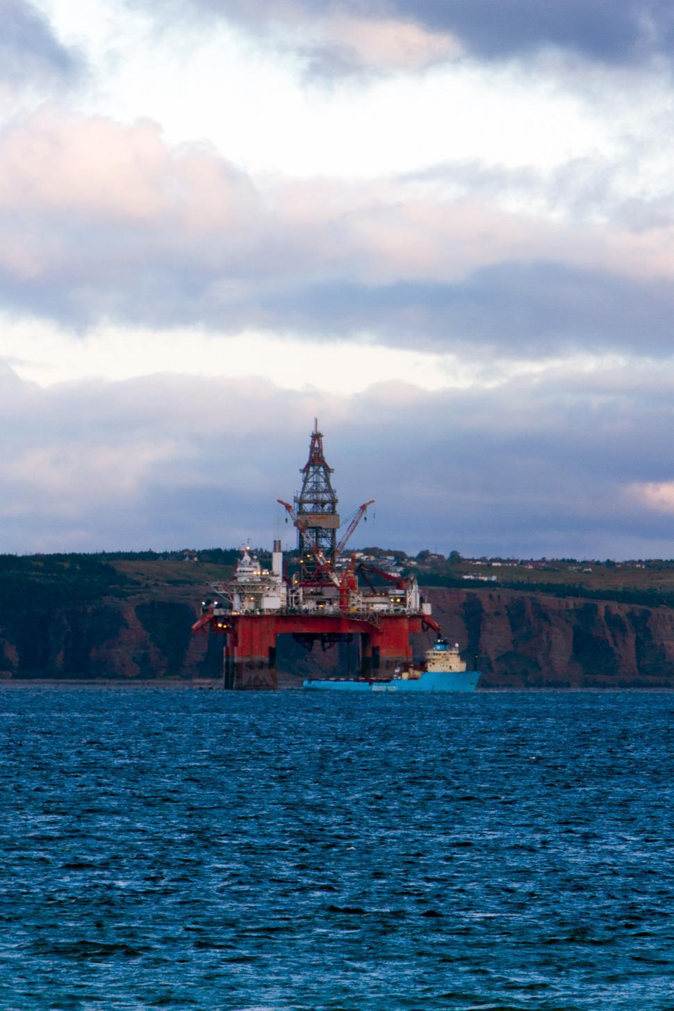 Download Free Stock HD Photo of Oil  and Gas Online
