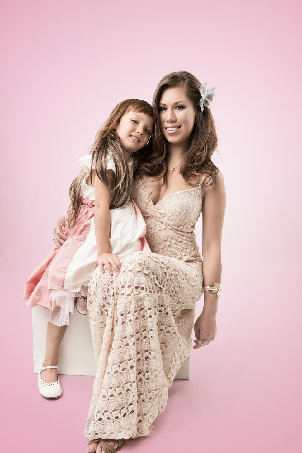 Download Free Stock Photo of Mother and Daughter sitting