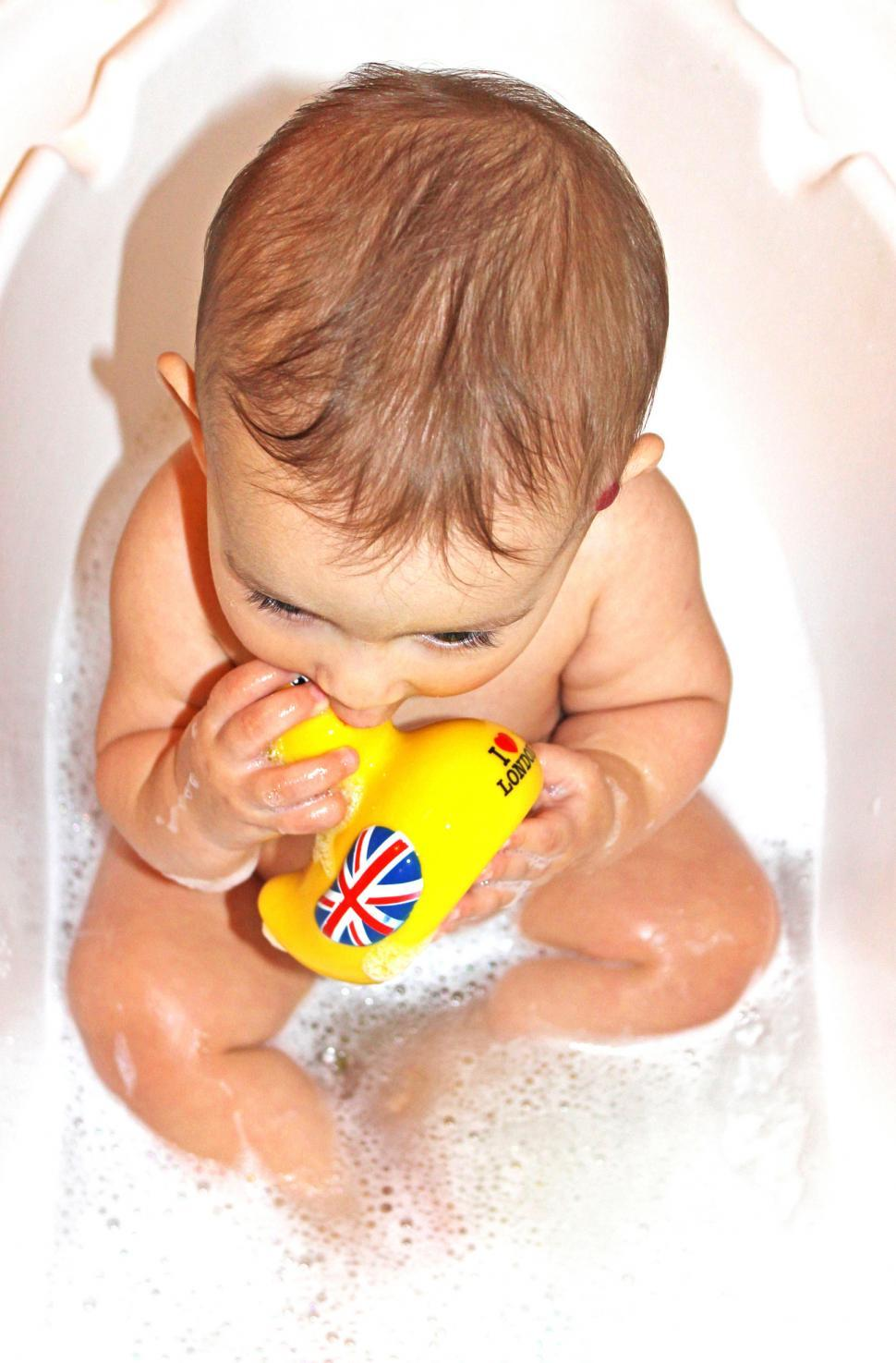 Download Free Stock Photo of Baby bath