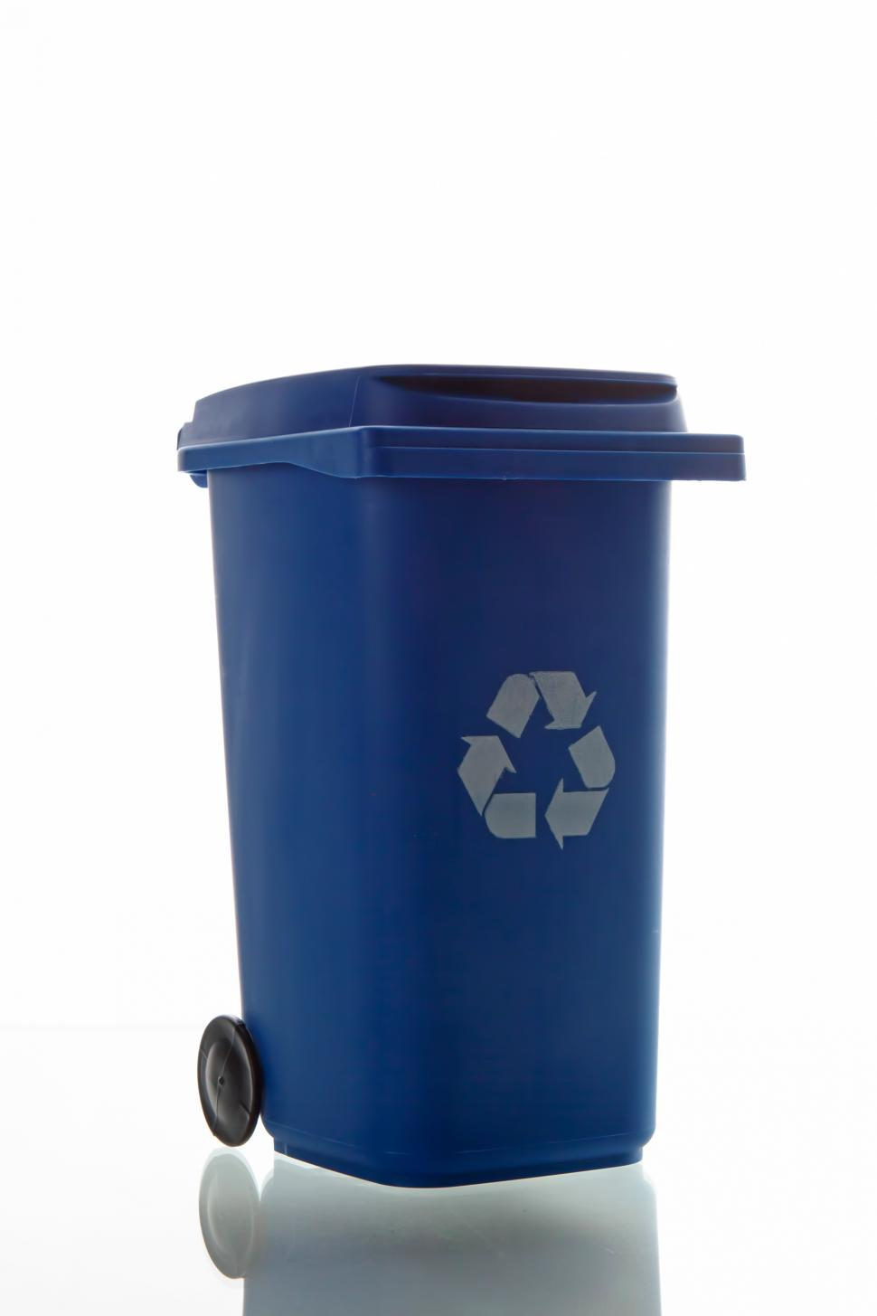 Download Free Stock Photo of Recycle bin