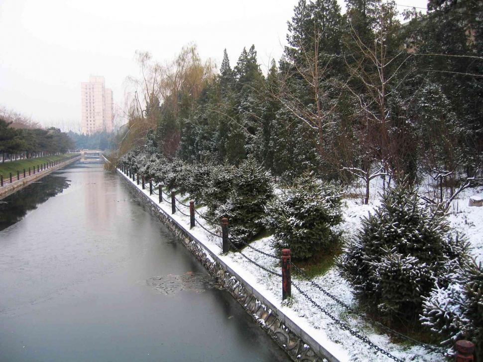 Download Free Stock Photo of River in winter