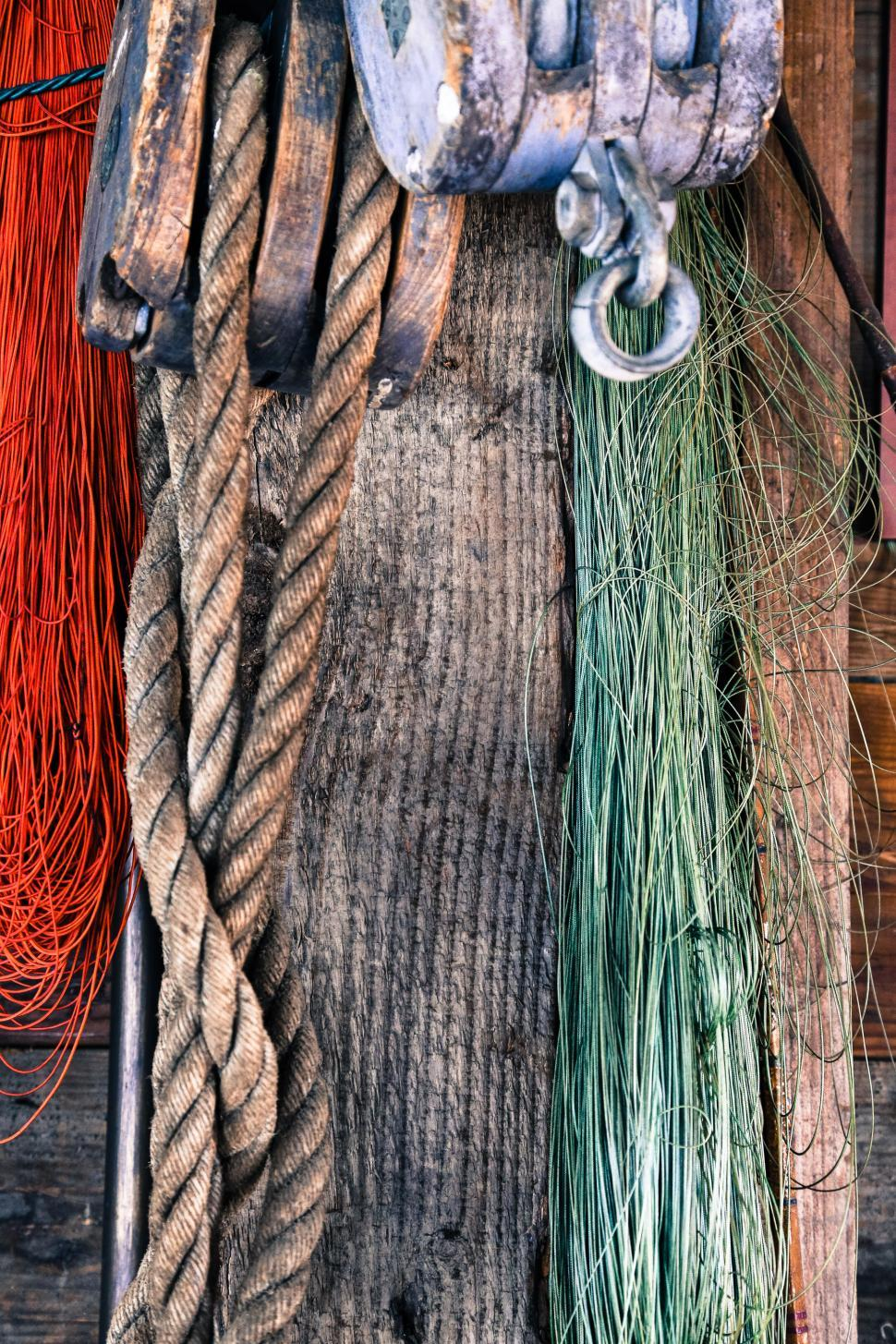 Download Free Stock HD Photo of Hanging ropes Online