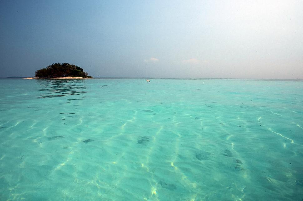 Download Free Stock Photo of Emerald ocean
