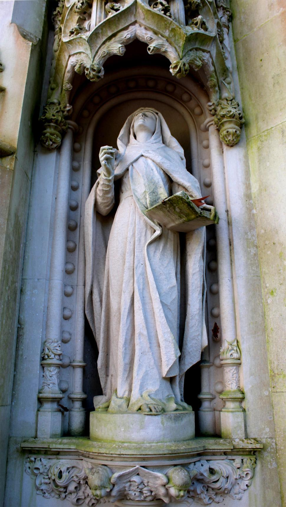 Download Free Stock HD Photo of Statue of Virgin Mary in Sintra, Portugal Online
