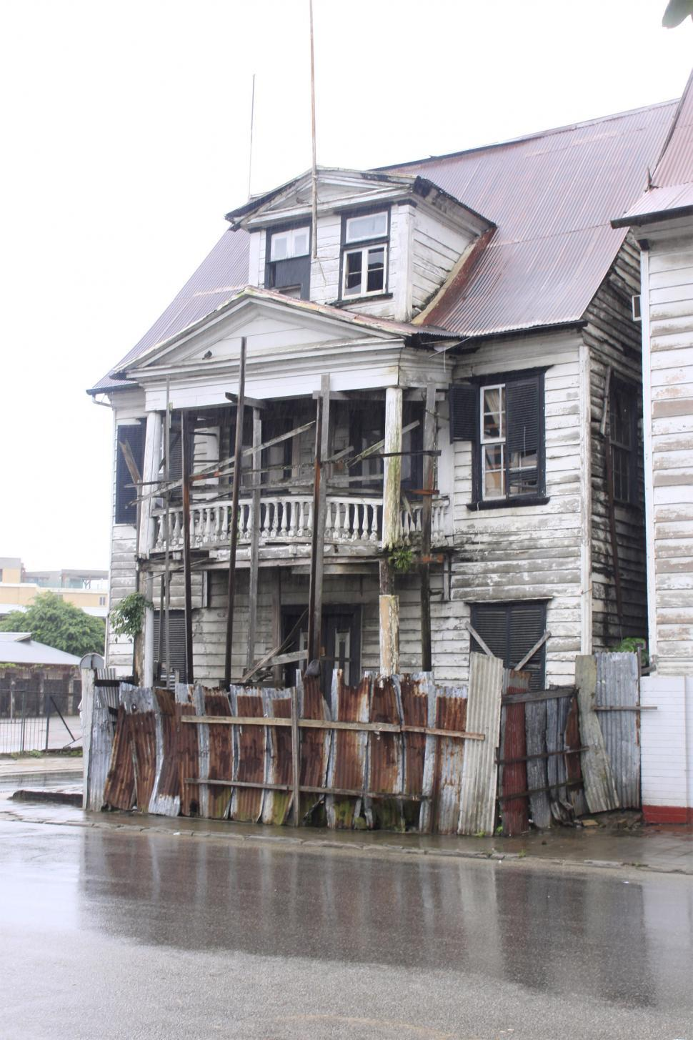 Download Free Stock HD Photo of Old Weathered Houses Online