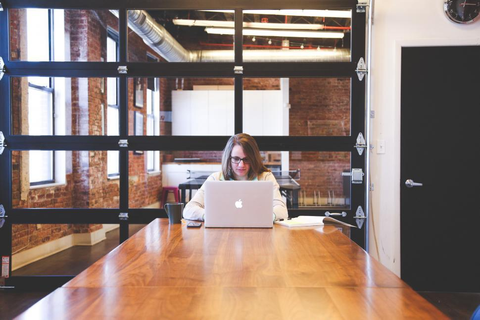 Download Free Stock Photo of Modern office and woman working