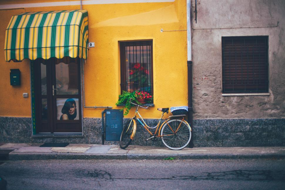 Download Free Stock HD Photo of Bicycle and an old wall Online