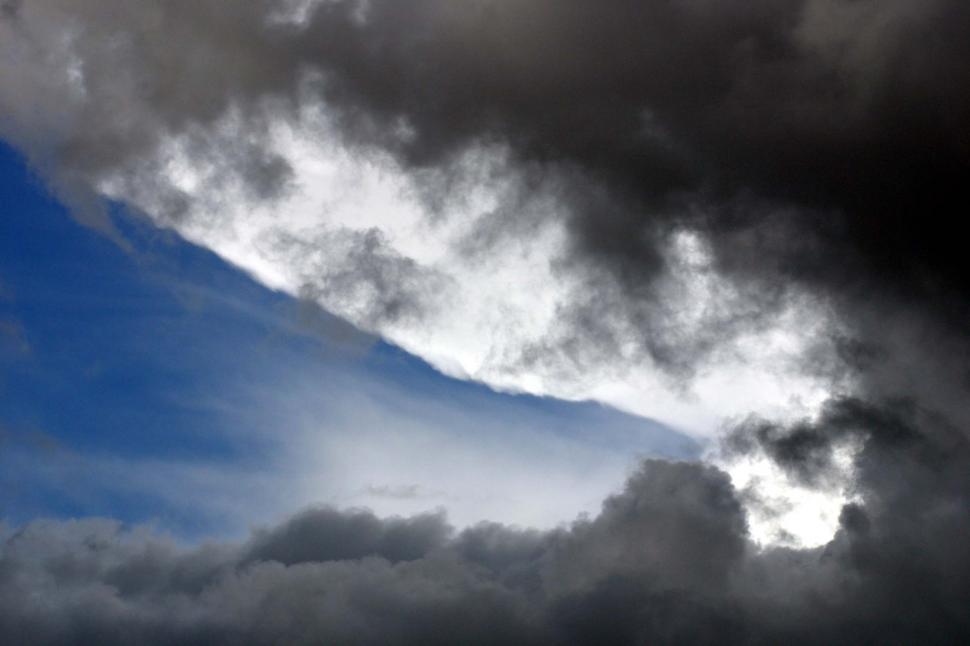 Download Free Stock Photo of Blue and Cloudy Dramatic sky
