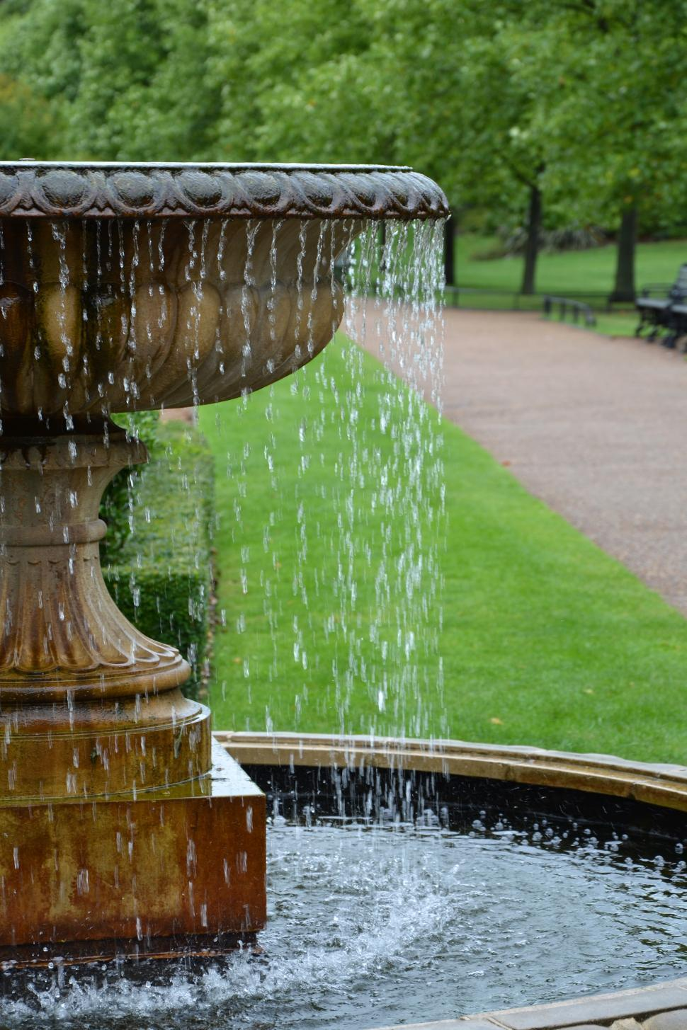 Download Free Stock Photo of Fountain in the park