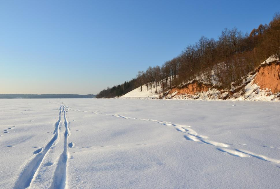 Download Free Stock Photo of Frozen Kaunas reservoir