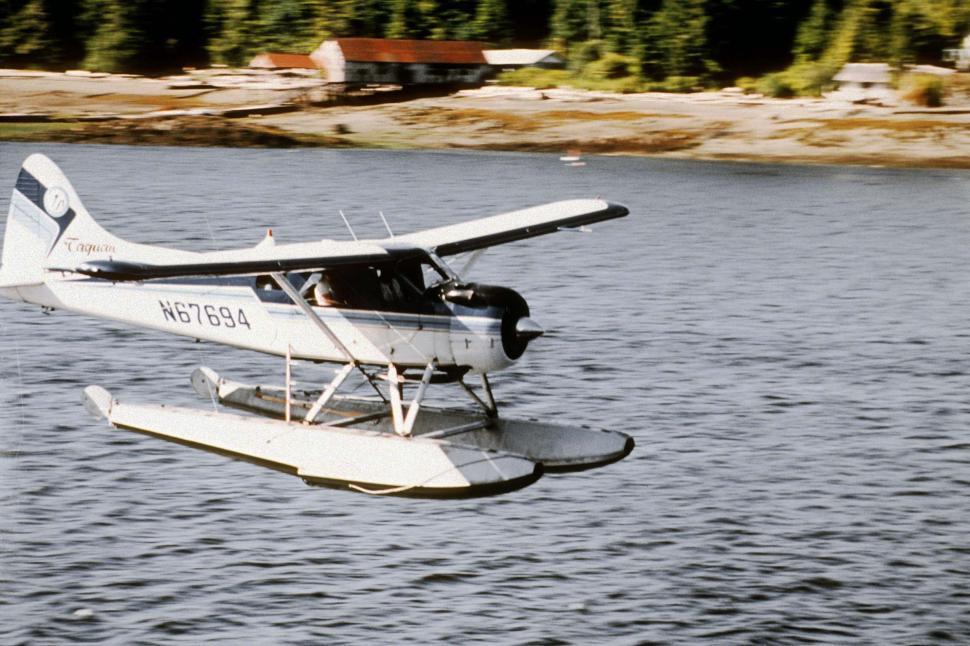 Download Free Stock HD Photo of seaplane landing Online