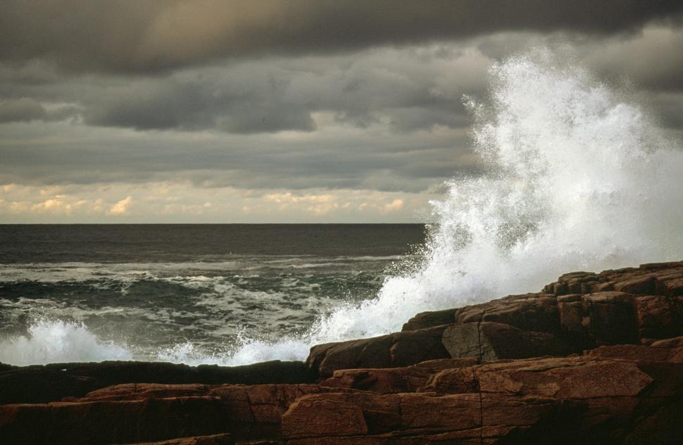 Download Free Stock HD Photo of Ocean waves spray Online