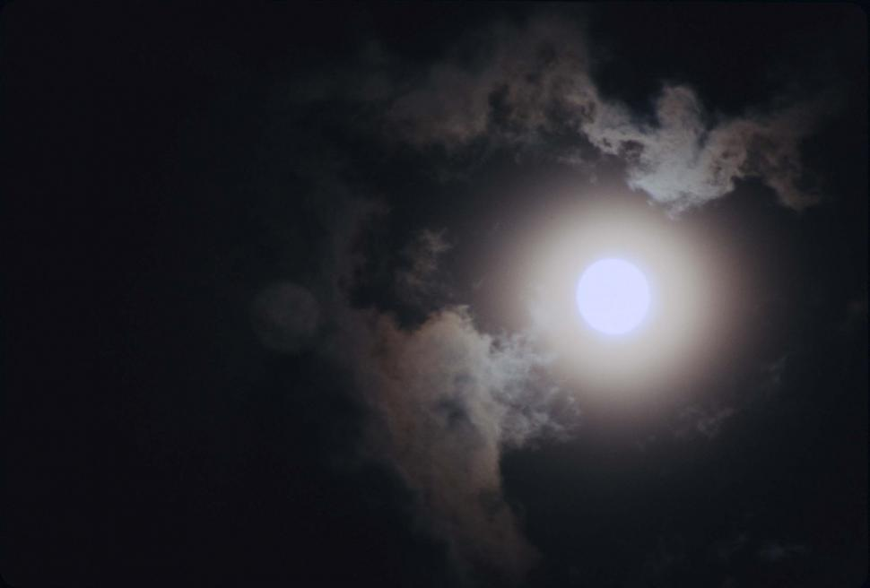 Download Free Stock Photo of Glowing moon