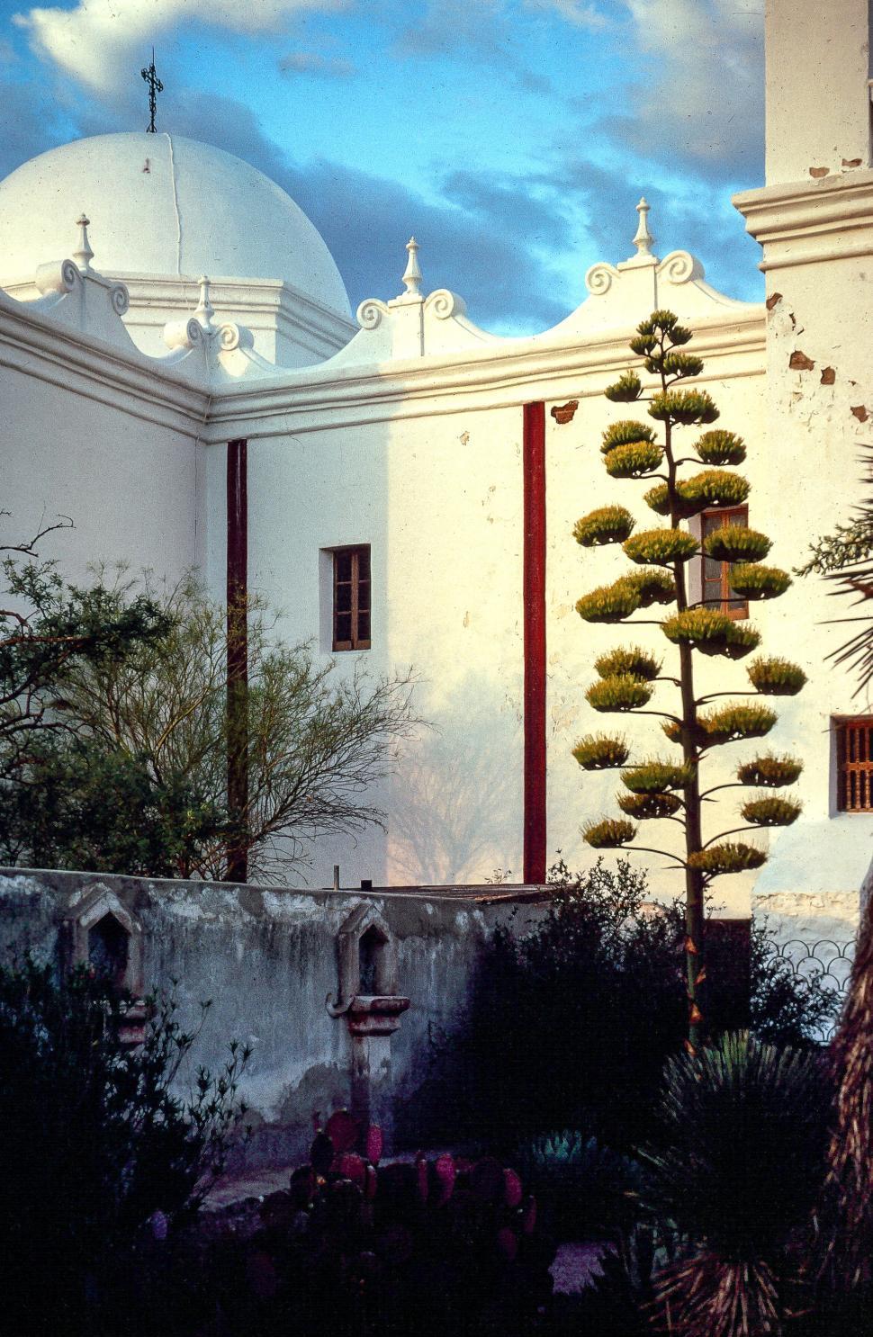 Download Free Stock HD Photo of San Xavier del Bac, Tucson, Arizona, USA Online