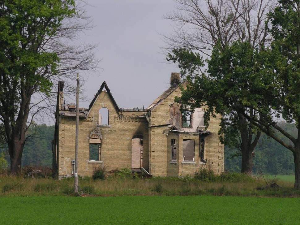 Download Free Stock HD Photo of burned house Online