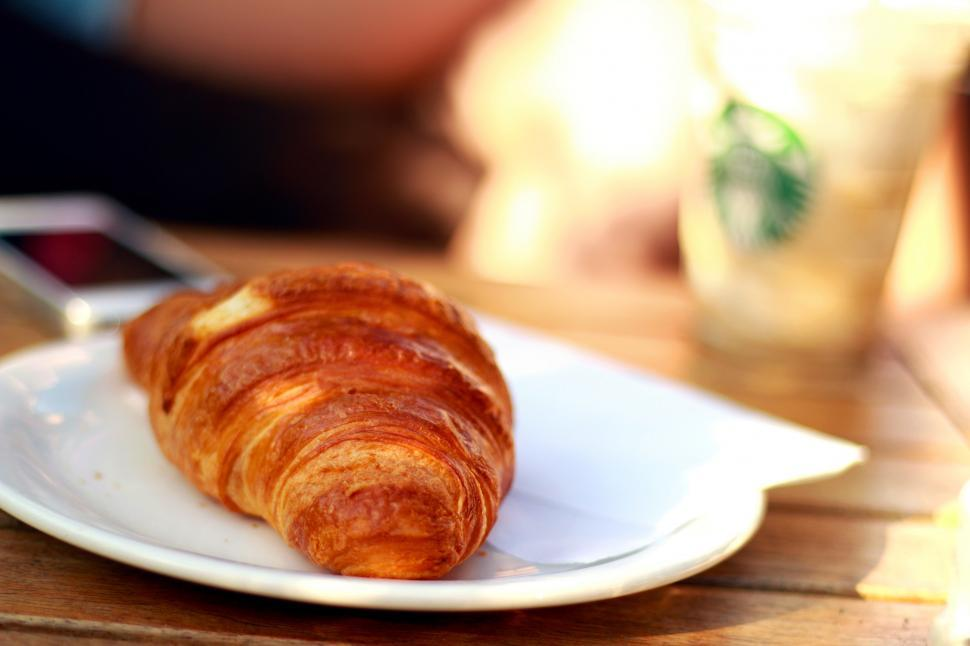 Download Free Stock Photo of Fresh Croissant